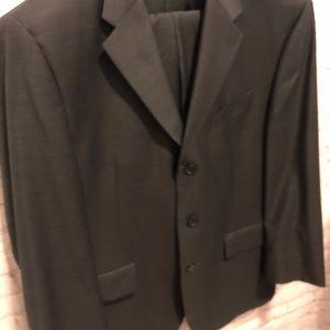 2 pace Men's navy suit size 44R38W Bosa